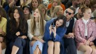 sophie-turner-and-hailee-steinfeld-topshop-unique-show-london-fashion-week-spring-summer-2015_3