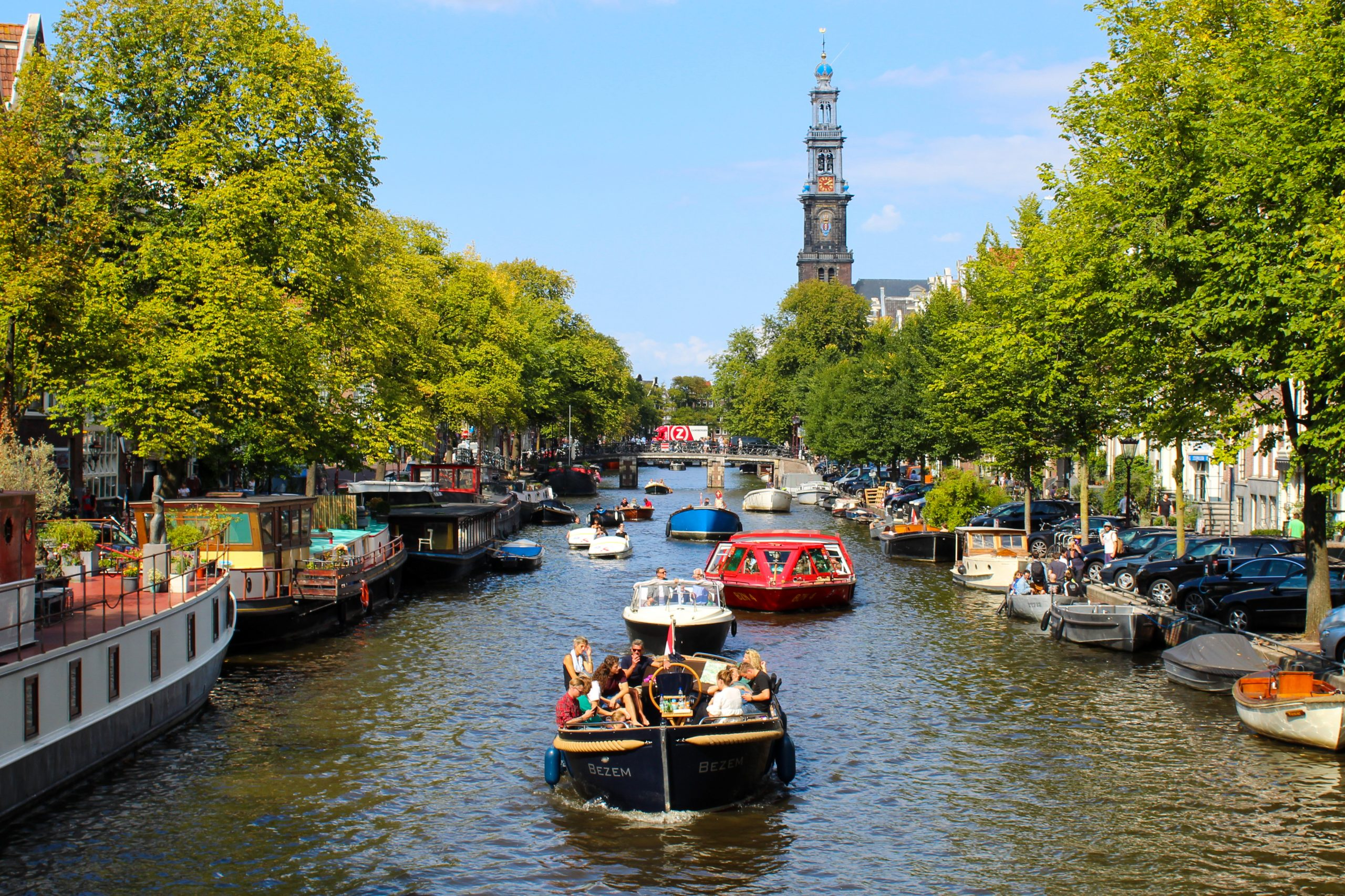 Amsterdam Canals   Clink Hostels   Beginner's guide to Amsterdam