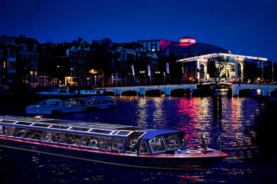 Canal Cruise in Amsterdam | Clink Hostels