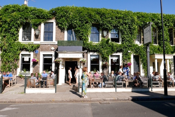 The Albion The 5 Hottest Things to Do on a Sunny Day in London Clink Hostels