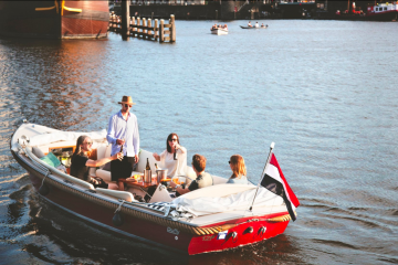 Pure Boats Amsterdam Clink Hostels Outdoor Activities