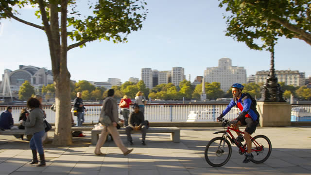 Cycling in London | 101 Guide to Safe Cycling Around London | Clink Hostels
