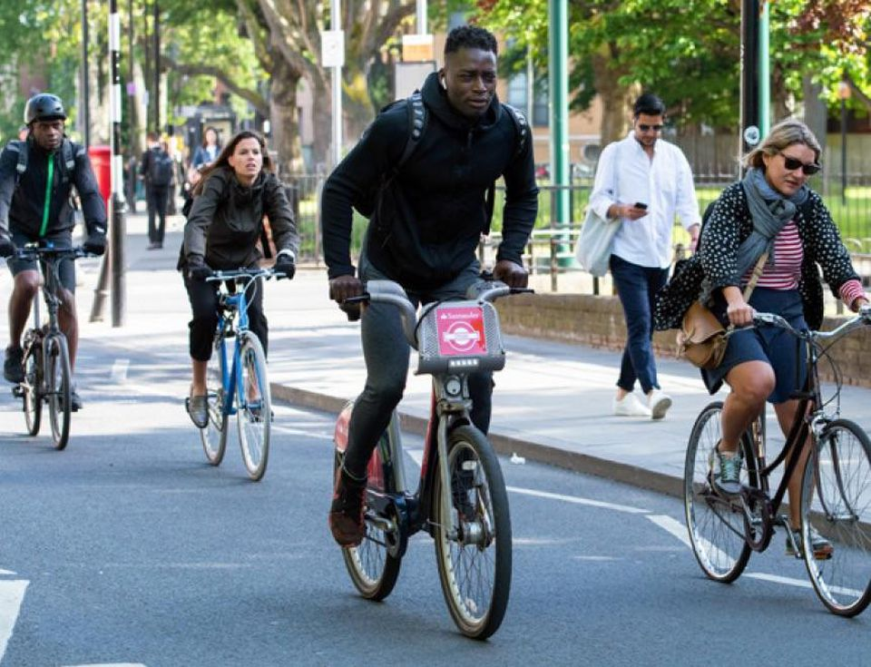 Cycling Around London | 101 guide to Safe Cycling Around London | Clink Hostels
