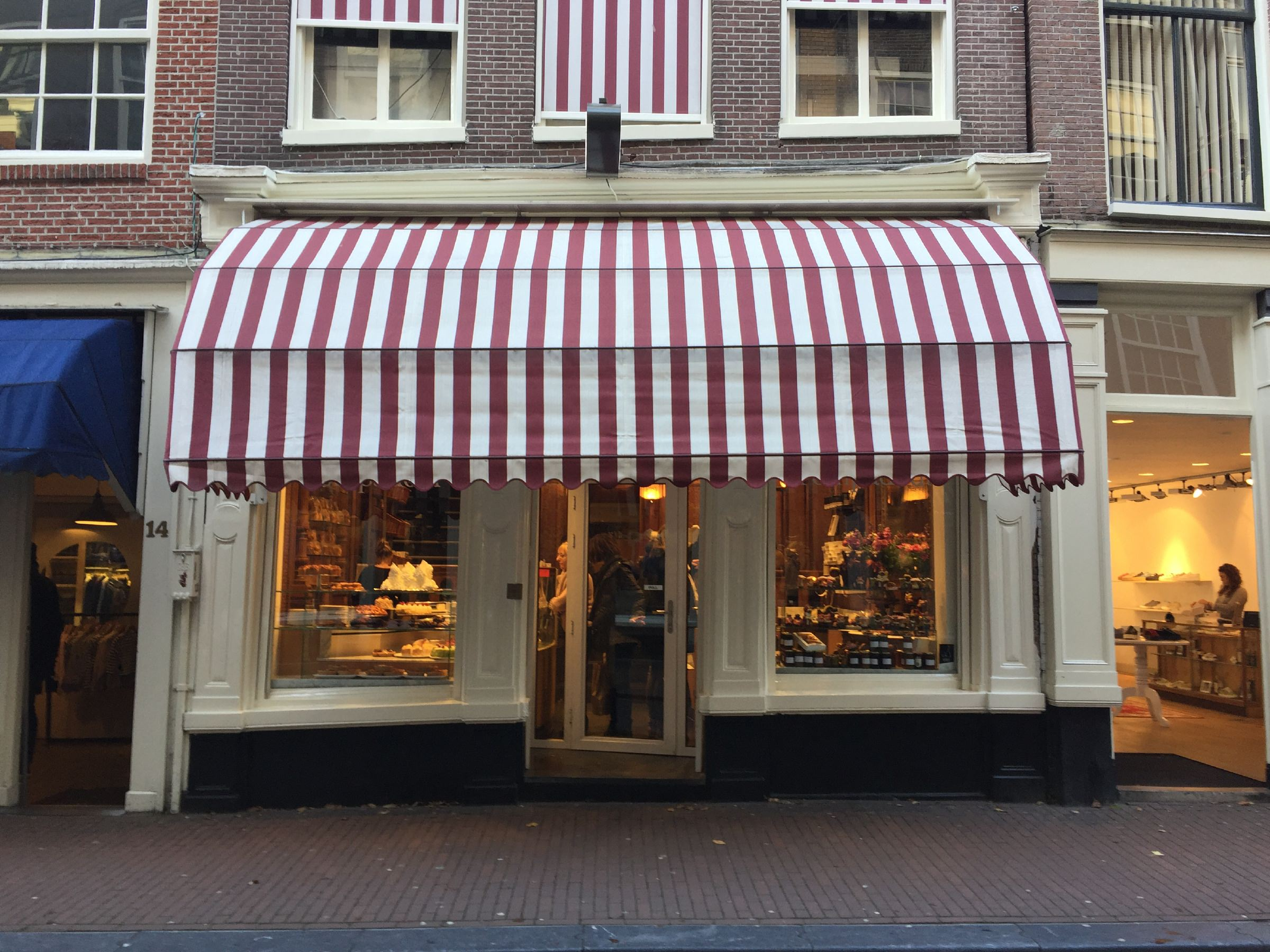 Patisserie Pompadour | Top 5 Places for a Hot Chocolate in Amsterdam | Clink Hostels